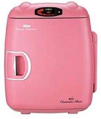 Mini nevera rosa para guardar cosméticos