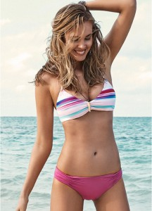 Combina piezas de bikini distintas, tendencia mix and match